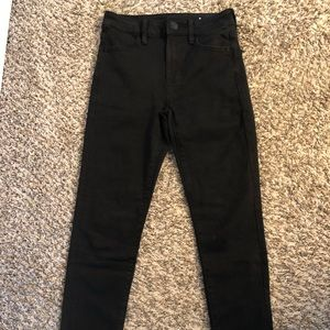 High waisted black jeggings from American Eagle!